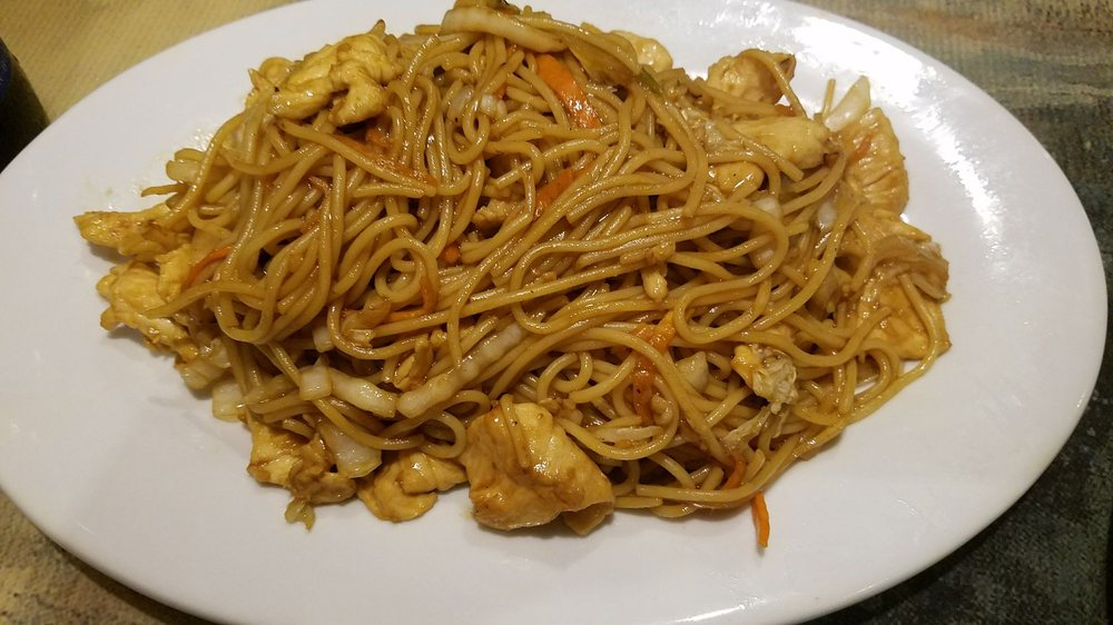 Hu Tieu do Bien or Vietnamese Chicken fried chicken noodle is a favorite dish because it is fast, eaten quite delicious. Just vegetables, meat, egg, starch should eat well without bored, very suitable for breakfast. Learn how to make chicken noodle in the article below.