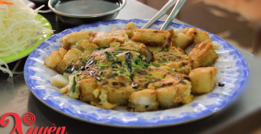 bot chien fried rice flour cake with eggs vietnamese street food